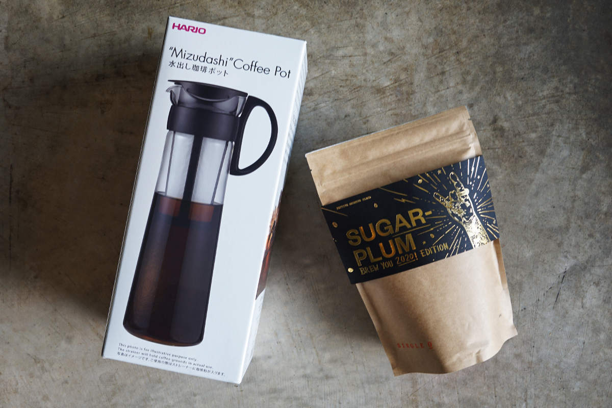 Hario cold brewer one litre with coffee beans