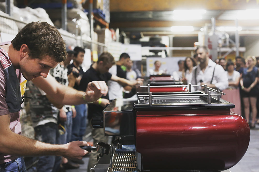 Single Origin Roasters - Throw at Single O - in action